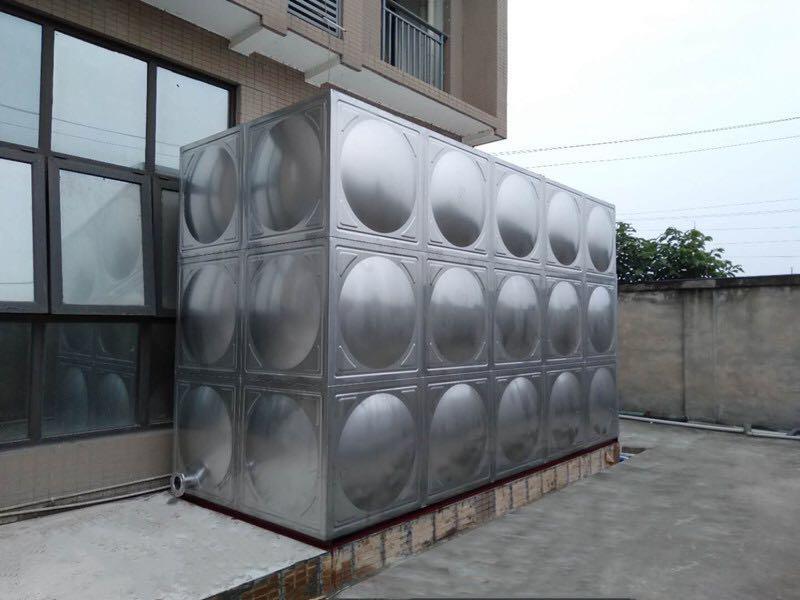 30吨不锈钢生活水箱安装完成展示图